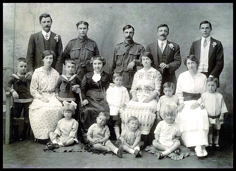 1915m